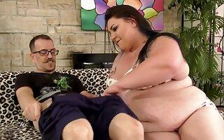 Fat Anal Queen Bella Bendz Gets Rammed