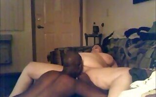 Fat white milf gets a creampie from her skinny black bf