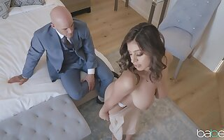Busty Ella Knox gives a businessman be imparted to murder pulsation be advantageous to herself