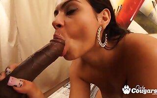 Monaliza Exalt takes BBC - amateur interracial with cumshot
