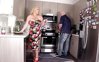 Hardcore fucking in all directions rub-down the kitchen with chubby wife Karen Fisher