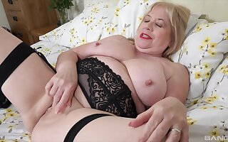 Dude with a small dick fucks his chunky wife Trisha on the bed